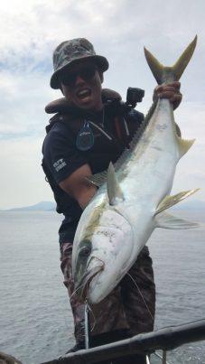 【2021フォトコン】釣りの島でヒラマサ10㌔over (五島 椛島)@nomuuuuuuさん